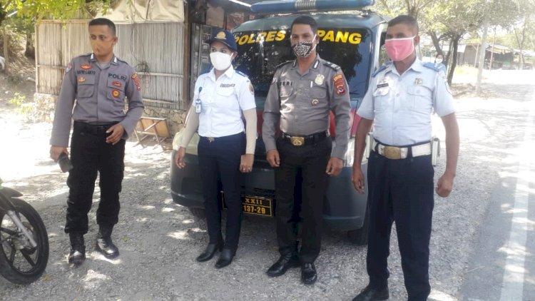 Satgas Rehabilitasi Polres Kupang, lakukan monitoring dan himbauan keliling waspada covid- 19