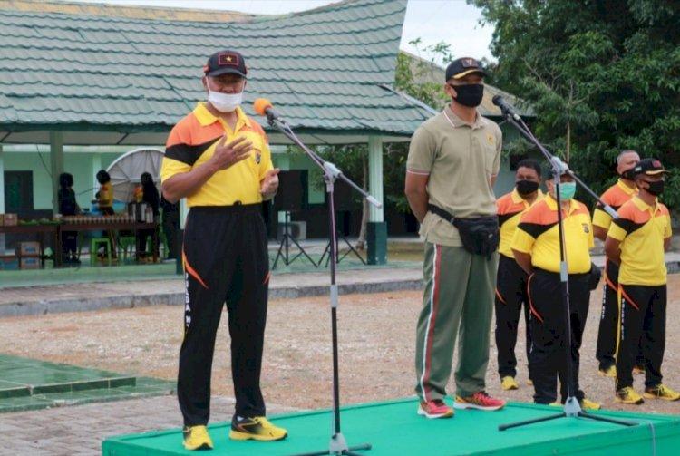 Waka Polda NTT  Jalin Solidaritas  Dengan  Olahraga Bersama Anggota Brigif 21 Komodo
