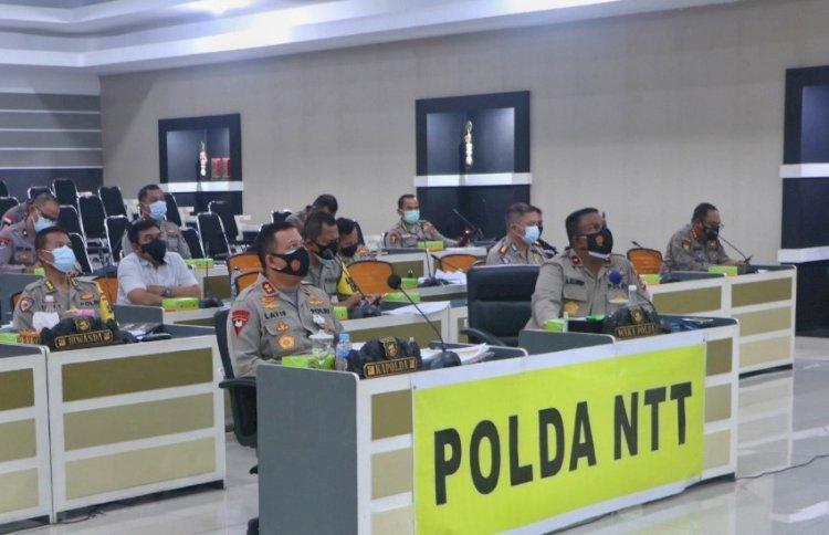 Tekan Penyebaran COVID-19, Polda NTT, sebar  42.850 Masker