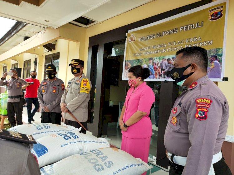 Kapolres Kupang Kirim  Bantuan 1 75 ton Beras Untuk Warga Pulau Kera Yang Terdampak Cuaca Ekstrem