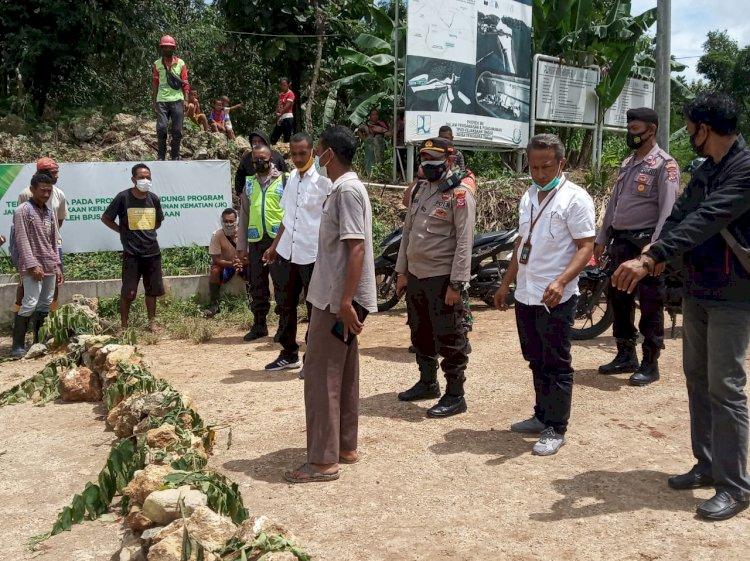 Warga Belokade Jalan Kapolsek Kupang Tengah Minta Jangan Anarkis