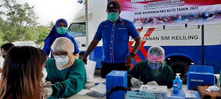 Antusias Masyarakat Kabupaten Kupang Ikuti Vaksinasi Massal
